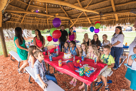 Golf Safari Party Table